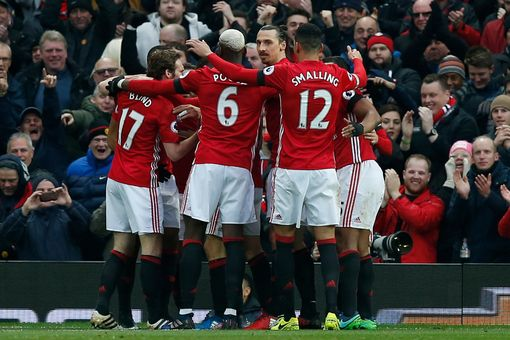 manchester-uniteds-juan-mata-celebrates-scoring-their-first-goal-with-teammates